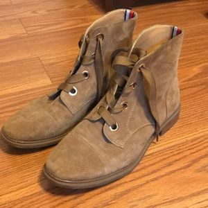 Like New Tommy Hilfiger Boots